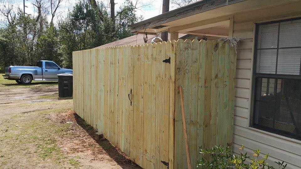 laurel ms fence contractor